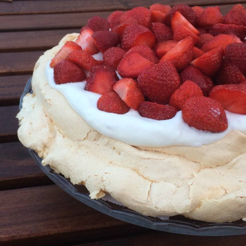 Pavlova with Strawberries and Rhubarb Cream